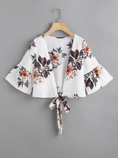 SheIn offers Random Florals Bell Sleeve Tie Front Top & more to fit your fashionable needs. Fashion Wear, Hijab Fashion, Girl Fashion, Fashion Dresses, Womens Fashion, Blouse Styles, Blouse Designs, Hijab Style, Front Tie Top