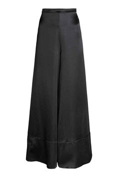 Pantaloni ampi in misto seta: CONSCIOUS EXCLUSIVE/PREMIUM QUALITY. Pantaloni in pesante satin di misto seta. Vita alta e e gamba ampia e svasata dalla caduta elegante. Cerniera nascosta sul fianco.