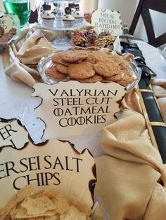 Game of Thrones party Game Of Thrones Food, Game Of Thrones Theme, Got Party, Party Time, Game Of Thrones Birthday, Game Of Thrones Premiere, Soiree Party, Medieval Party, Derby Party