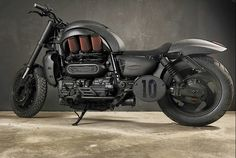 Triumph Rocket III Custom - Grease n Gasoline