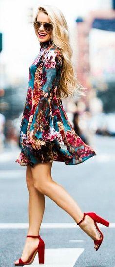 Looks para combinar zapatos rojos http://beautyandfashionideas.com/looks-para-combinar-zapatos-rojos/ #Belleza #calzadorojo #Fashion #Fashiontips #Looksparacombinarzapatosrojos #Moda #redshoes #Shoes #Tipsdemoda #zapatosrojos