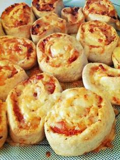 These are our house's favourite scrolls! Three kids and the cook: Thermomix Thursday: Ham & Cheese Pizza Scrolls