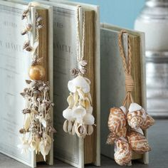 DIY: shell tassels - with Granny's shells? Sea Crafts, Diy And Crafts, Arts And Crafts, Seashell Art, Seashell Crafts, Seashell Decorations, Seashell Projects, Coastal Decor, Coastal Living