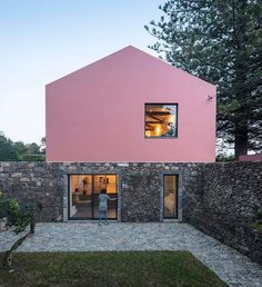 Pink House – Dream Guesthouse in Açores | Taste of Portugal.