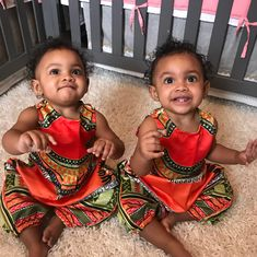 Peyton Jean & Norah Grace - 11 months ❤ Adorable identical twin baby girls #multiples #twins #twinbabies #identicaltwins #twingirls #twinsisters #sisters (8 Mar 2017)
