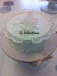 Royal icing collars cake
