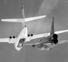 EE Lightning Hooking up to a Vickers Valiant 6 July 1961 Neg Ref: © and credit: BAE Systems Heritage Warton Vickers Valiant, Post War Era, Royal Air Force, Military Aircraft, Lightning, Fighter Jets, Aviation, 6 July, Electric