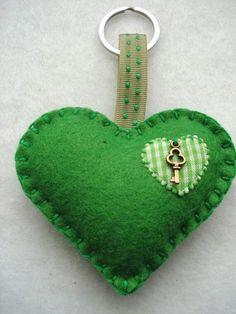 más y más manualidades: Elabora llaveros de corazón para este San Valentin