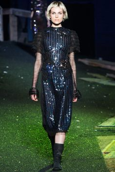 Marc Jacobs Spring 2014 Ready-to-Wear Fashion Show - Emma Chamtaloup