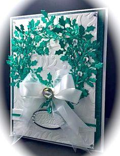 Card: Christmas Wreath with Holly Sprays