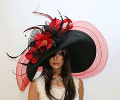 Kentucky derby hats by Vinzetta - Super-duper hat! This one definitely wouldn't fit in the suitcase! Kentucky Derby Outfit, Derby Attire, Kentucky Derby Fashion, Derby Outfits, Fancy Hats, Cool Hats, Turban, Crazy Hats, Derby Day