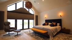 Blackout blinds in shaped windows - Hidden when not in use - Danit Payley Blinds And Curtains Living Room, Bedroom Blinds, Square House Plans, Metal House Plans, Blinds For Large Windows, Window Blinds, Triangle Window, Gable Window, Honeycomb Blinds