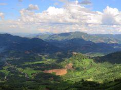 Kon Tum 👉🏽 Quang Ngai 🏍  From mountains to coast ⛰🌊  #movedbylife #travel #travelasia #travelphotography #landscapephotography #mountains #vietnam #motorbikevietnam #motorbiketrip #motorbikeadventures #girlswhoride #girlrider #solotravel #freebirdflowtravel