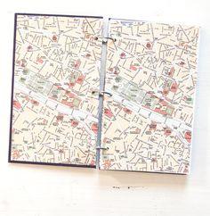 Für mein neues Recycling-Notizbuch kam mir gleich das lila Buch in den Sinn, das ich unlängst auf einem Flohmarkt gefunden habe. Die Farbe, einfach wunderschön. Und auf den Vorsatzblättern sieht man einen Stadtplan. Collage, Just Love, Planer, Recycling, Stationery, Notebook, Illustration, Lilac, Projects