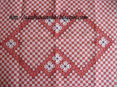 embroidery on gingham check (chicken scratch? Blackwork Embroidery, Hand Embroidery Stitches, Ribbon Embroidery, Cross Stitch Embroidery, Embroidery Patterns, Cross Stitch Patterns, Geometric Embroidery, Diy Bordados, Bordado Tipo Chicken Scratch