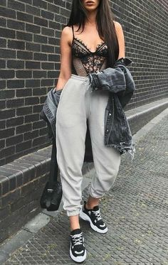 Spread the love Affordable Teenager Outfits from 45 of the Perfect Teenager Outfits collection is the most trending fashion outfit this winter. This Teenager Outfits look related to fashion… Mode Outfits, Trendy Outfits, Fashion Outfits, Fashion Tips, Fashion Trends, Womens Fashion, Ladies Fashion, Trending Fashion, Fashion Ideas