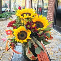 """""""East Windsor Funflowers"""" No filter needed on this beauty! #princeton #nj #sunflowers #shoplocal #localsunflowers"""
