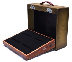 SALVAGE CUSTOM 18 X 13 BARN WOOD PEDALBOARD WITH ZOMBIE TWEED CASE