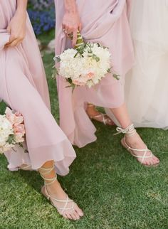 These are similar to my bridesmaids dresses. I like these bouquets for them too