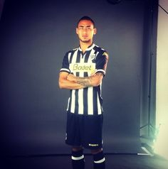 Billy KETKEOPHOMPHONE Attaquant @sco_angers en séance shooting chez @Morgan_View