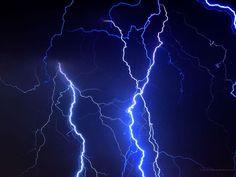 Blue lightning- so I can get my glow on. Dark Blue Wallpaper, Blue Wallpaper Iphone, Blue Wallpapers, Desktop Backgrounds, Photo Bleu, Blue Aesthetic Dark, Everything Is Blue, Thunder And Lightning, Lightning Images