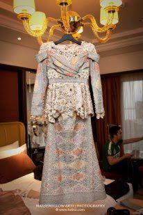 DINASTY ART GALLERY: SONGKET : SONGKET FASHION CEREMONY WEDDING DRESS