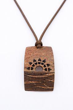 Geschenk fr ihn, afrikanisch, exotische Anhnger Sunset aus Kokosnussschalen, Hand geschnitzte, natrliche, Anhnger in braun, Orange, Holz Anhnger