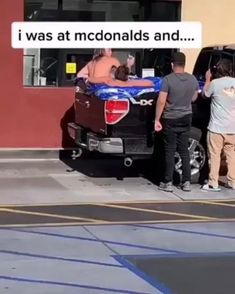When pool is closed You imporvise,funny GIFs Funny Vid, Funny Clips, Videos Funny, Funny Cute, Hilarious, Funny Animal Memes, Stupid Funny Memes, Funny Relatable Memes, Funny Stuff