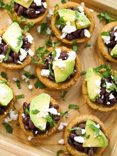 These baked sopes are a fun Mexican appetizer! Filled with black beans, cheese and avocado, and topped with salsa verde! #rachaelhartleynutrition #thejoyofeating #vegetarian #vegetarianrecipes #vegetarianmexicanrecipes #mexicanrecipes #sopes #glutenfree #glutenfreerecipes Mexican Appetizers, Mexican Food Recipes, Vegetarian Bake, Vegetarian Recipes, Sopes Recipe, Wedding Snacks, Wedding Fun, Traditional Mexican Dishes, Gluten Free Puff Pastry