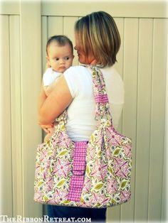 DIY:: Mama Mia Diaper Bag Tutorial love this bag! Diaper Bag Tutorials, Diaper Bag Patterns, Purse Patterns, Ribbon Retreat, Bag Pattern Free, Making Hair Bows, Baby Crafts, Baby Sewing, Purses And Bags