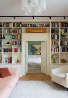 Home Interior Design, Interior And Exterior, Interior Decorating, Solid Rugs, Classic Rugs, Built In Shelves, House Rooms, Apartment Living, Scandinavian Design