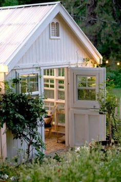 The exterior of the she-shed. (Photo courtesy of Courtney Allison/The French Country Cottage)