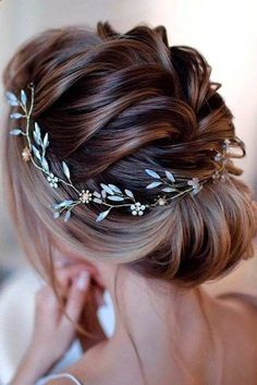 50 Chic and Stylish Wedding Hairstyles for Short Hair! - - 50 Chic and Stylish Wedding Hairstyles for Short Hair! - WeddingInclude 50 Chic and Stylish Wedding Hairstyles for Short Hair! 50 Chic and Stylish Wedding Hairstyles for Short Hair! Pretty Hairstyles, Braided Hairstyles, Hairstyle Ideas, Formal Hairstyles, Stylish Hairstyles, Hairstyles 2016, Hair Ideas, Trending Hairstyles, Medium Hairstyles
