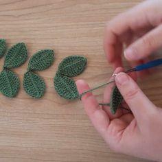 Crochet Flowers, Crochet Patterns, Leaf Patterns, Crochet Earrings, Lily, Hair Accessories, Make It Yourself, Instagram, Simple