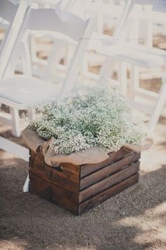 Rustic burlap baby's breath wedding aisle decor | Deer Pearl Flowers
