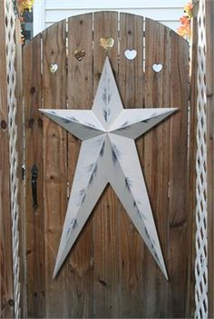 Barn stars, great for decorating - Love this look w the hearts & star (J.M.)