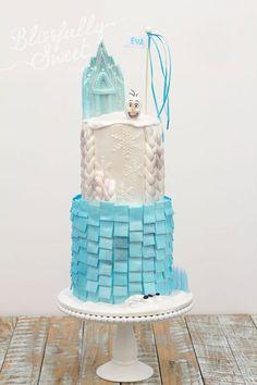 Torta di Frozen con decorazioni in pasta di zucchero n.17