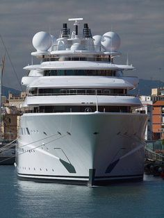 Topaz Yacht Tarragona Recent Photos The Commons Getty Collection Galleries World Map App . Yacht Design, Yachting Club, Yatch Boat, Bateau Yacht, Private Yacht, Float Your Boat, Dinghy, Power Boats, Speed Boats
