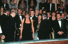 Diana At Versailles: Princess Diana (1961 - 1997) wearing a Catherine Walker gown, and Valery Giscard d'Estaing at a dinner at the Palace of Versailles, Paris, November 1994. (Photo by Pool/Getty Images)