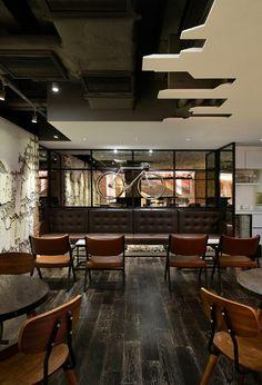 Гостиная, холл в цветах: серый, светло-серый, темно-коричневый. Гостиная, холл в стиле лофт.