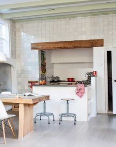 Kitchen in an old city home in Haarlem - Styling by Inge van Lieshout & photography by Louis Lemaire