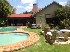 Oak Crossing - Oak Crossing is a beautiful guest house in Ferndale, ideally situated to reach any location in Johannesburg within minutes.  Oak Crossing is just 8 km from the Gautrain Station in Sandton, with the Gautrain ... #weekendgetaways #johannesburg #southafrica