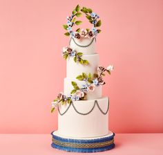 2016 Wedding Trend: Cakes With Floral Garlands. Floral cakes, a time-honoured wedding staple, get a garden-fresh reboot in 2016. Designers are now embracing loose, free-flowing motifs, including leafy garlands and floral wreaths.