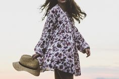 Gaya Fashion Wanita yang Terkenal Masa Kini