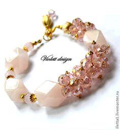 """Pulsera """"reina de las flores"""" de dorado (cristales de cuarzo de Rose). Hecho a mano."""