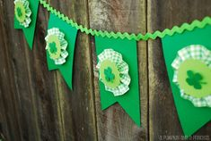 St. Paddy's Bunting!!!! Too Cute! {CL}--I wish I was better at making paper medallions...