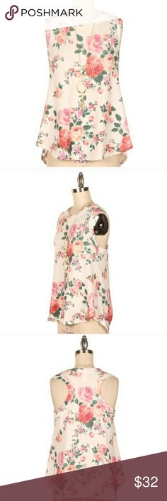 Friday Floral Tank On trend for this summer and a must have for your closet! Fashionomics Tops