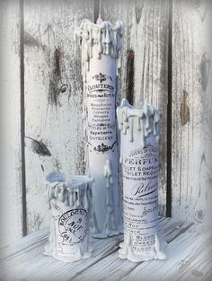 These creepy candles are actually paper towel rolls and printed graphics! : These creepy candles are actually paper towel rolls and printed graphics! Toilet Paper Roll Crafts, Paper Crafts, Tube Carton, Deco Originale, Paper Towel Rolls, Diy Papier, Recycling Bins, Cute Diys, Diy Candles