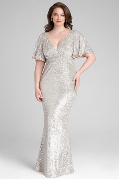 Short Sleeve V-neck Sequin Gown Plus Size Gowns, Plus Size Outfits, Evening Gowns With Sleeves, Plus Size Evening Gown, Xl Mode, Plus Zise, Sequin Gown, Mom Dress, Event Dresses