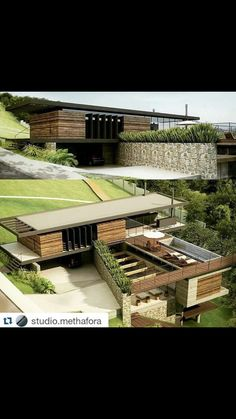 Modern Architecture House, Modern Buildings, Amazing Architecture, Architecture Design, House Built Into Hill, Building Design, Building A House, Environmental Architecture, Modern Small House Design